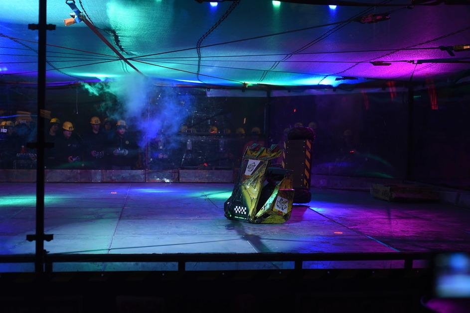 Фотоотчет с открытия боев роботов «Бронебот: Осенний разогрев» - 19