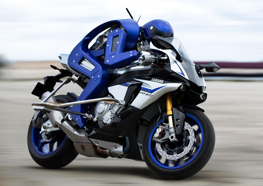 Робот Yamaha Motobot бросил вызов Валентино Росси