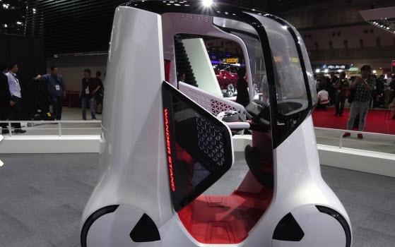 Honda показала самоуправляемый двухместный концепт Wanderstand