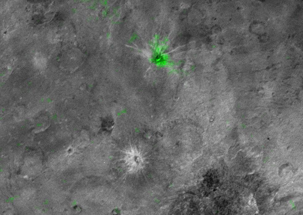 На Хароне обнаружен кратер с очень высоким содержанием аммиака - 1