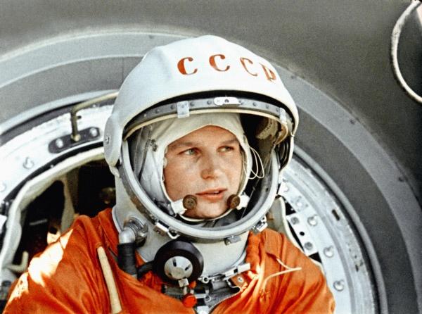 Женщины и Космос или просвещение планеты Задержка Развития - 2