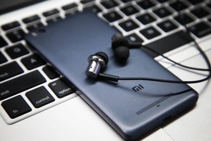 Наушники Xiaomi Hybrid Earphone содержат динамический излучатель и арматуру
