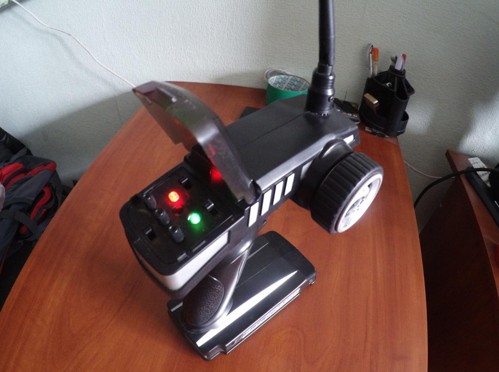 Покоритель бездорожья: обзор радиоуправляемого монстр-трака FS Racing 53810 - 4