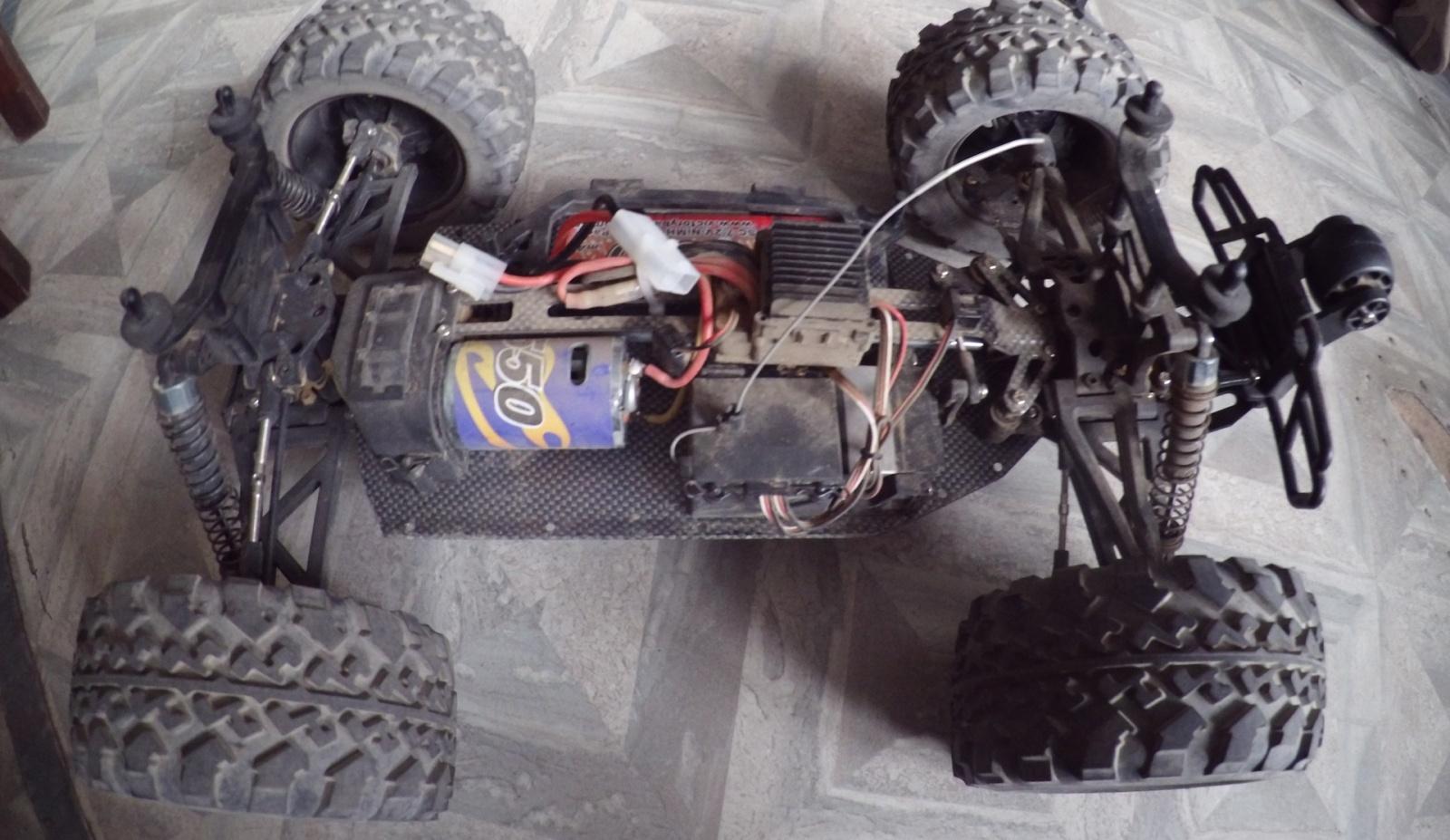 Покоритель бездорожья: обзор радиоуправляемого монстр-трака FS Racing 53810 - 7