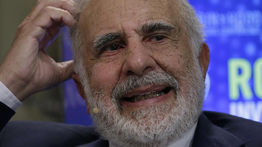 62-летний трейдер манипулировал котировками ценных бумаг в Twitter: его твиты «уронили» акции на 16-28%. Ущерб составил $1,6 млн - 2