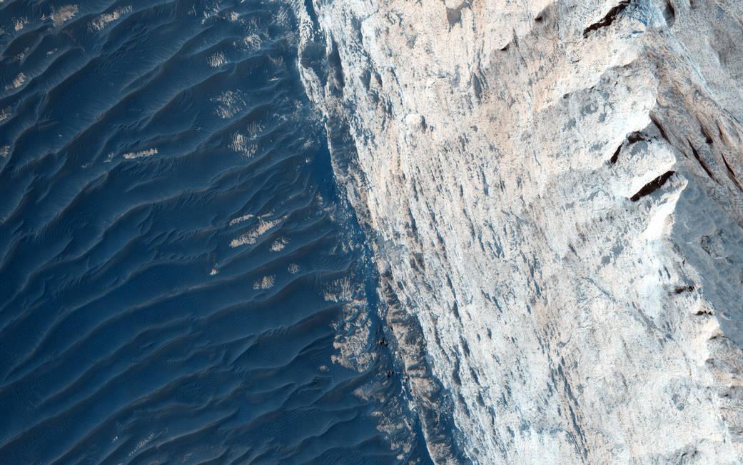 NASA выложило hi-res фотографии каньона Офир - 2