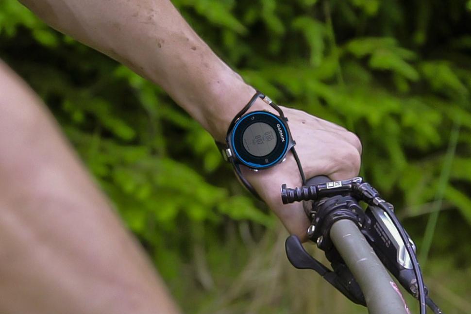 Оптимальное взаимодействие с умными часами: ремешок SHIFT - 1
