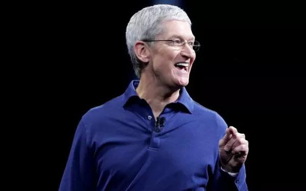 Тим Кук критикует Surface Book и рекламирует iPad Pro - 1