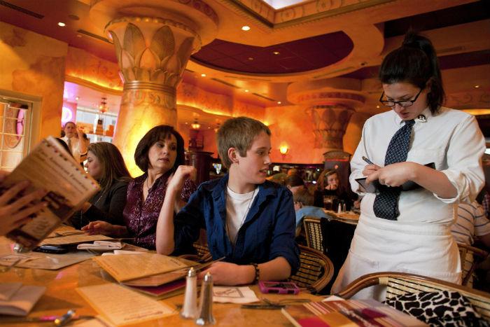 Психология технологий: Как платежные приложения позволяют ресторанам увеличить размер чаевых - 1