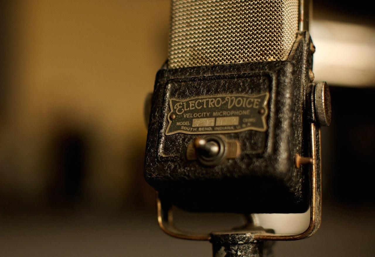 Интерактив: Ответы на вопросы слушателей подкаста «Звук» – Часть 3 - 1