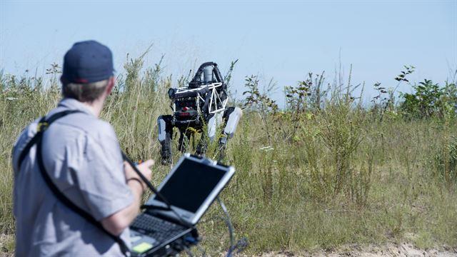 Военные США начали испытания четырехногого робота Spot