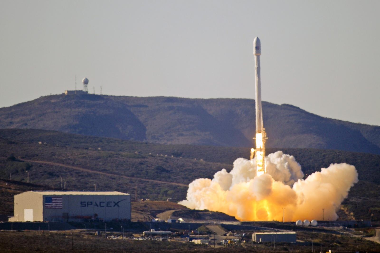 Почему нельзя сравнивать космические аппараты New Shepard и Falcon 9 - 2