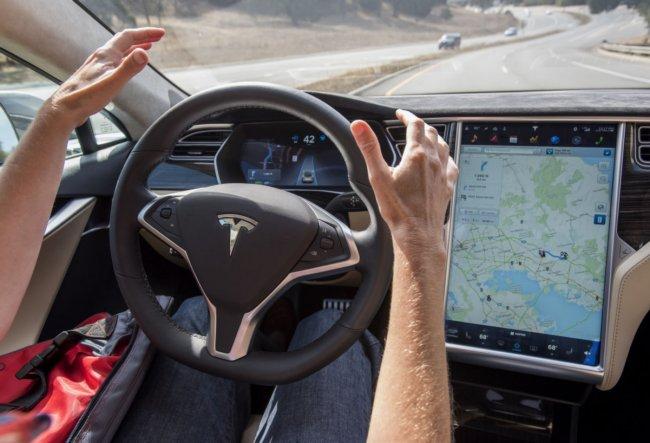 Google наняла бывшего сотрудника Tesla, который возглавлял разработку ПО в SpaceX и системы автопилота