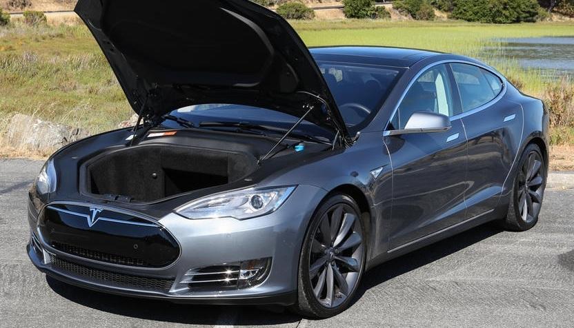 Автомобили Tesla стали появляться в России - 2