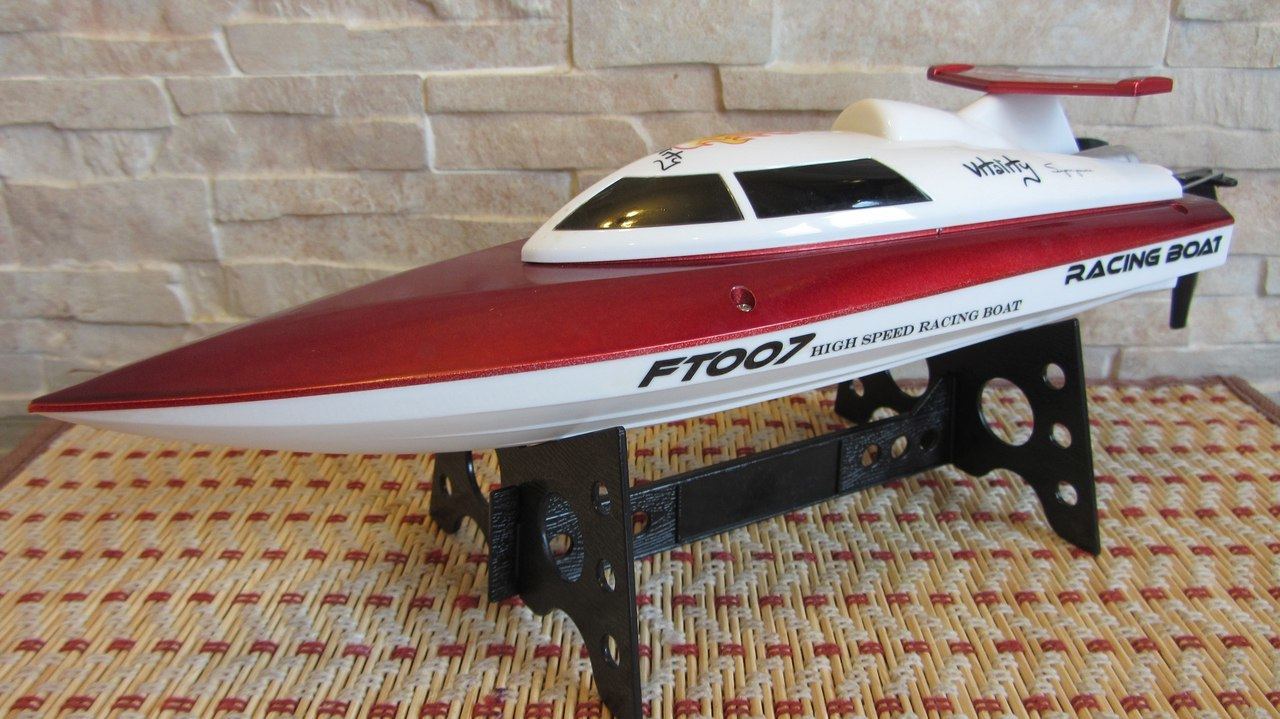 В Москве прошёл декабрьский дождь или самое время вспомнить о р-у катере FeiLun FT007 - 2