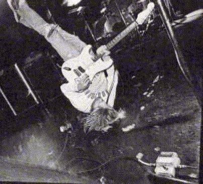 Обсуждение: Как Курт Кобейн модифицировал свою гитару - 5