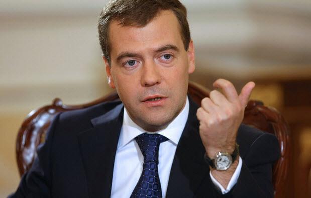 Дмитрий Медведев высказал идею о принятии правил поведения в Интернете