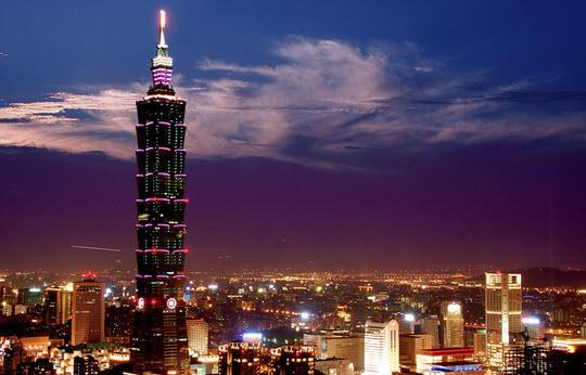Поставки смартфонов за последний год на Тайване впервые снизились