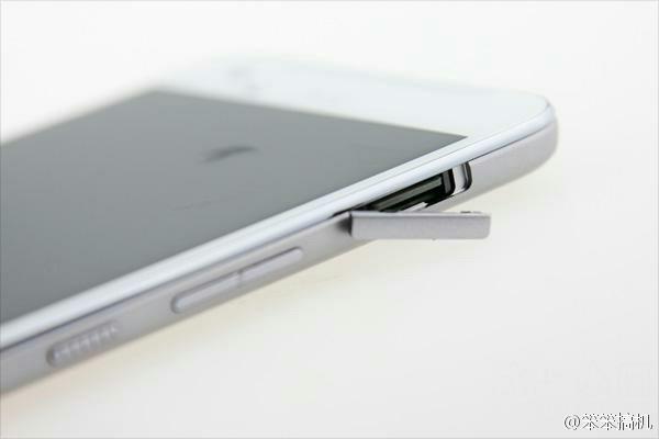Появились живые фото смартфона HTC One X9