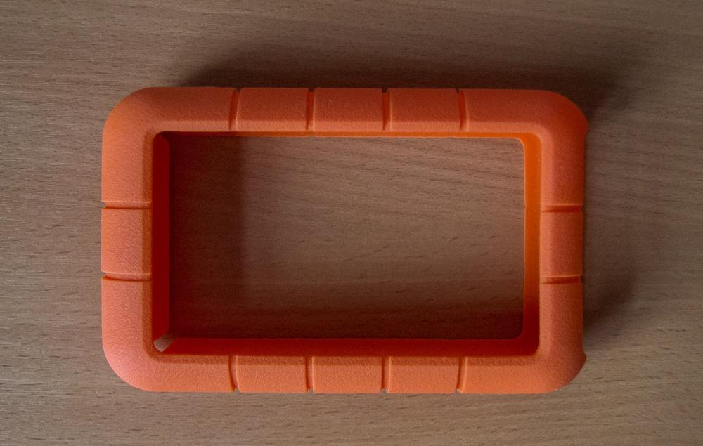 Один производитель – разные судьбы: внешние HDD LaCie P'9220 1 ТБ и Rugged Triple 2 ТБ - 12