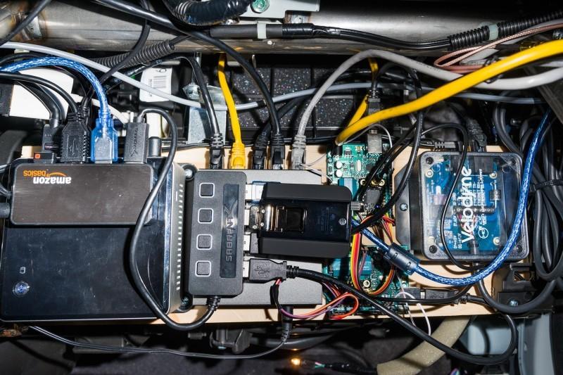 Знаменитый хакер Geohot собрал беспилотный автомобиль у себя в гараже - 3