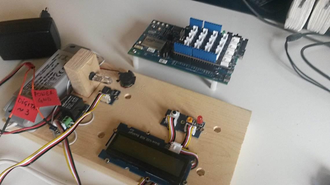 Модель системы климат-контроля на основе Intel Edison - 1