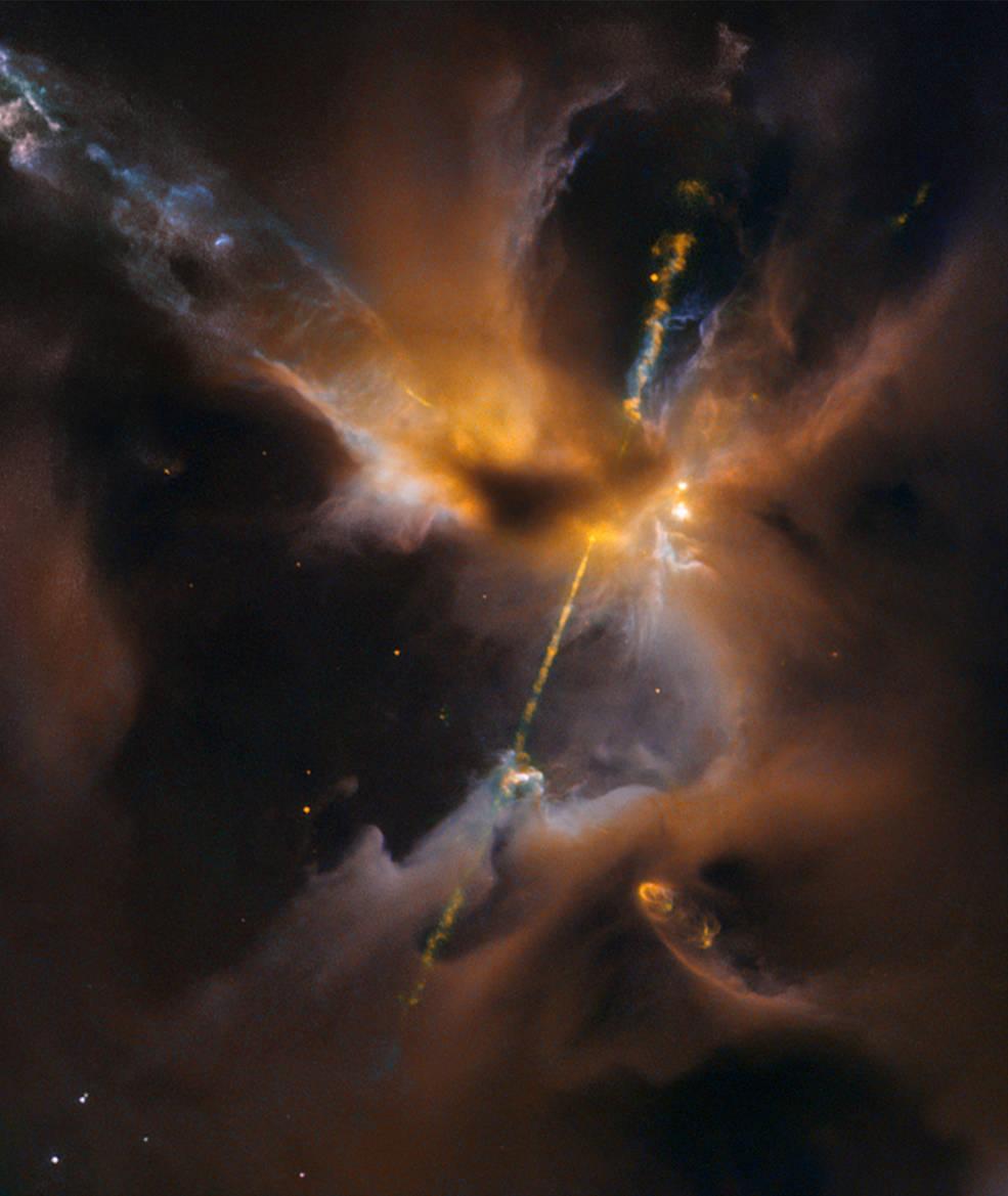 Пробуждение силы: новорожденная звезда объявила о своем появлении «световым мечом» - 2