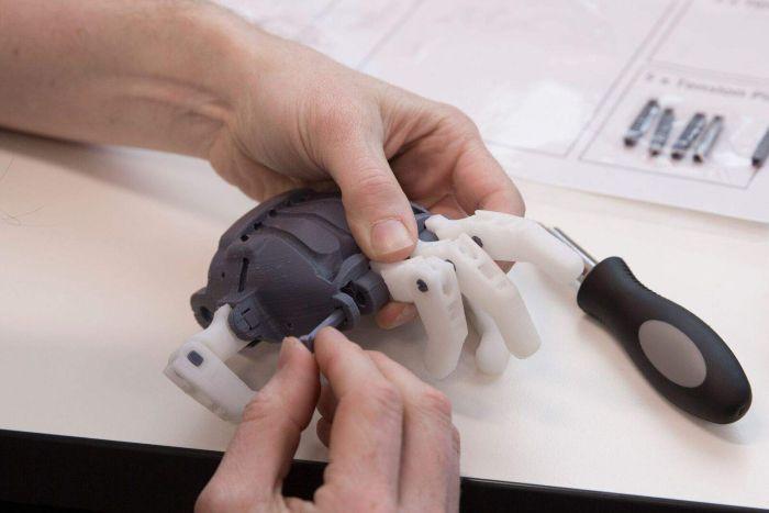 Создатели распечатанного на 3D принтере протеза руки вдохновились проектом 1845 года - 3