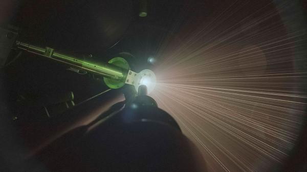 На Сатурне сегодня идут дожди… из жидкого гелия - 1