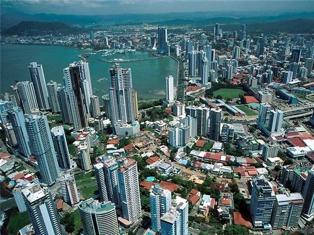 В 2015 году Коста-Рика получала около 99% электроэнергии из возобновляемых источников - 1