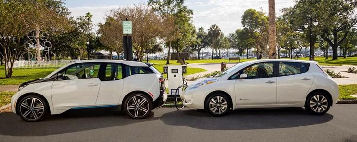 BMW и Nissan будут активно строить зарядные станции для электромобилей