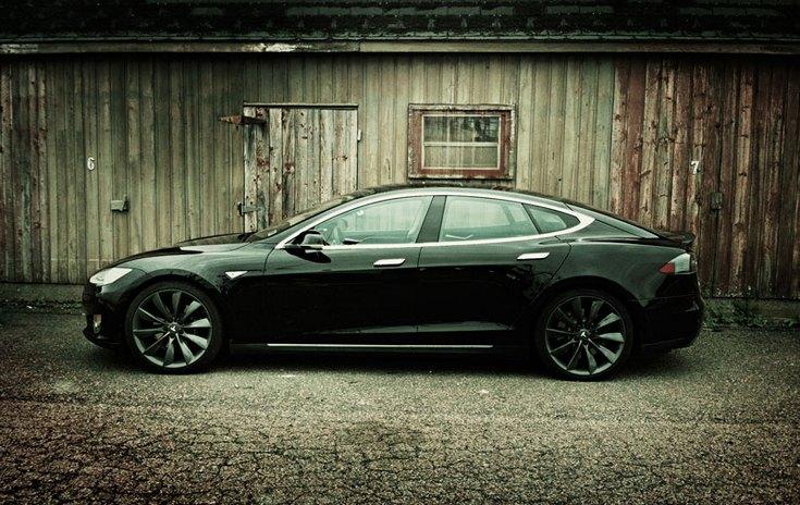 Tesla Motors сотрудничает со Spotify