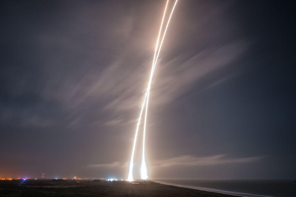 Компания SpaceX выложила hi-res фотографии взлета и приземления Falcon 9 - 8