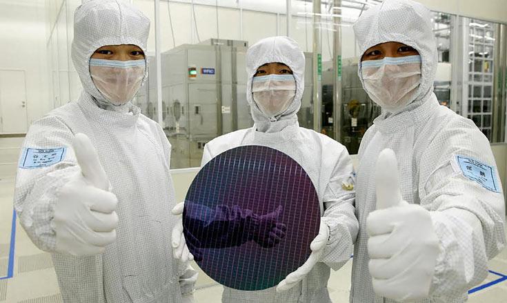 Samsung старается расширить число клиентов, заказывающих выпуск полупроводниковой продукции