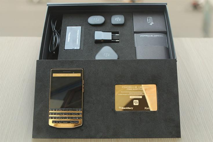 Позолоченный смартфон BlackBerry Porsche Design P'9983 предлагается за $2 440