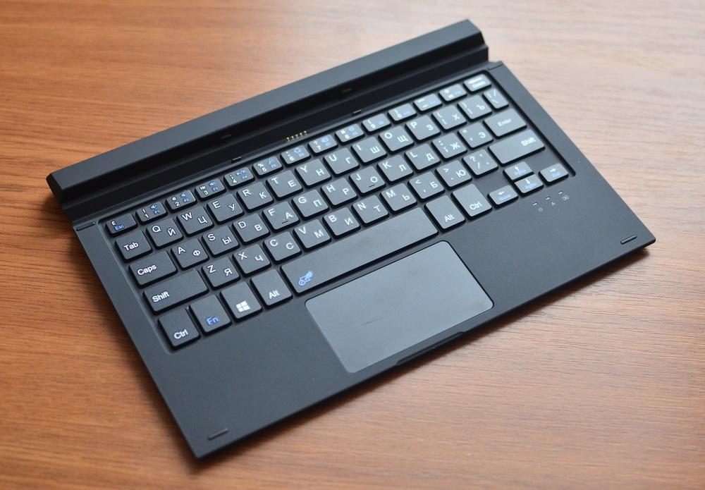 DEXP Ursus KX210i – планшет-трансформер на Windows 10 с процессором Intel® Atom™ - 5