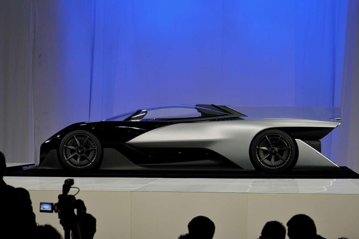 Faraday Future представила концепт модульной платформы электромобилей и суперкар FFZERO1 - 4