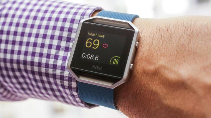 Умные часы Fitbit Blaze стоят $200