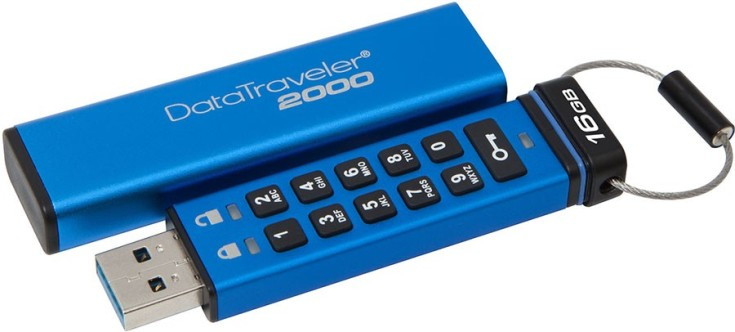 Флэш-накопитель Kingston DataTraveler 2000 имеет собственную клавиатуру