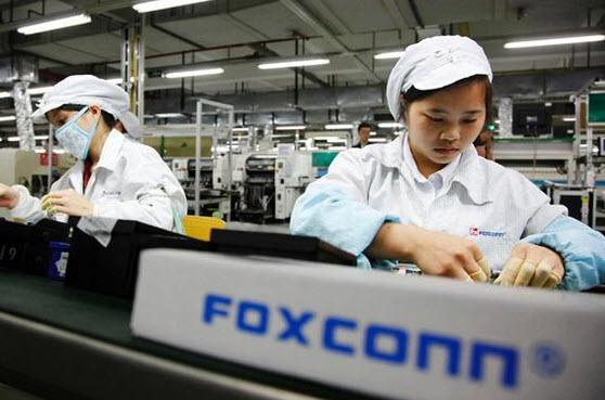 В декабре продажи Foxconn обвалились на 20%, однако по результатам за год компания смогла улучшить результат