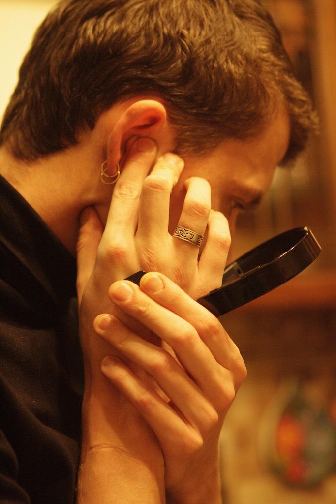 Как слушать музыку через палец - 4