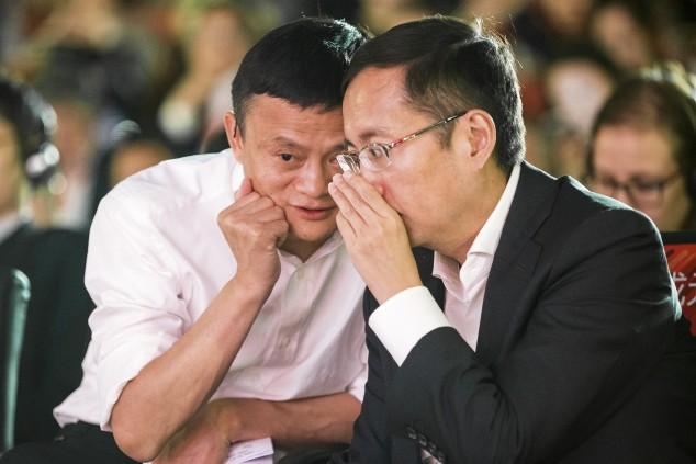Даниэль Чжан совещается с основателем Alibaba Джеком Ма