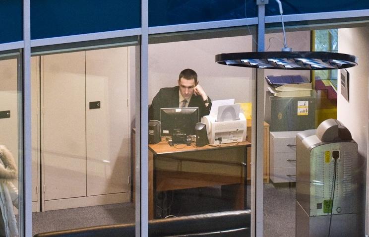 Россиянам могут законодательно ограничить общение в социальных сетях в рабочее время - 1