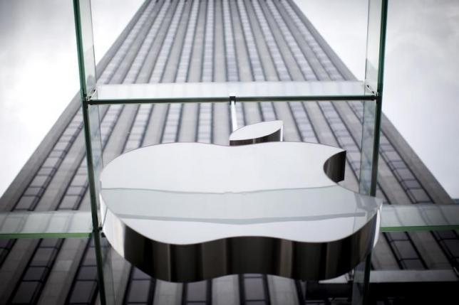 Доля женщин в Apple за год увеличилась с 28,7% примерно до 30%