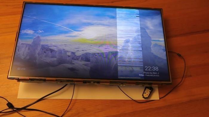 Сломанный телевизор можно починить светом - 1