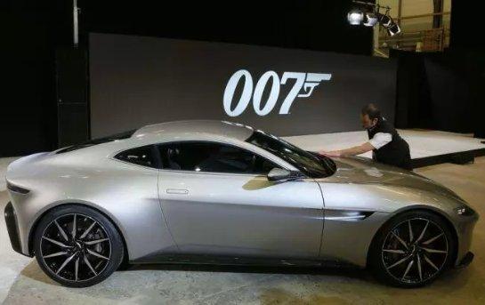 Aston Martin Джеймса Бонда продадут на аукционе