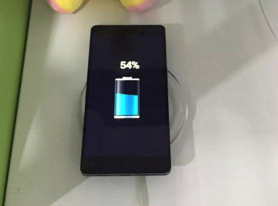 Смартфон Elephone P9000 поддерживает технологию беспроводной зарядки