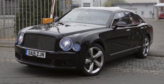 Bentley Mulsanne 2016 и длиннобазная версия замечены в движении (видео)