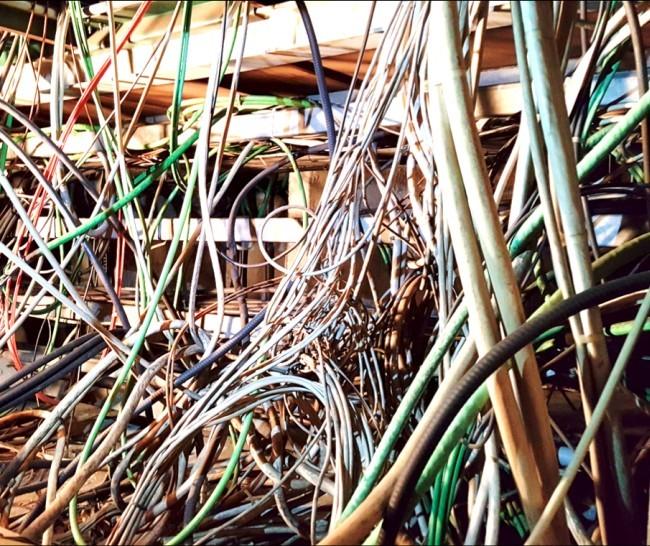 Инженеры ЦЕРН должны распознать и отключить 9000 неиспользуемых кабелей - 2