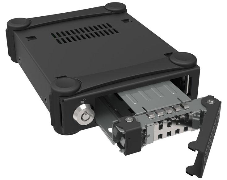 Для дополнительной защиты от механических воздействий у MB991U3-1SB есть резиновые бандажи